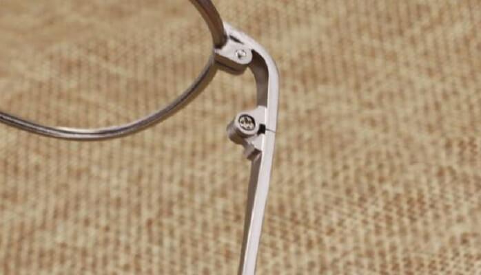 chỉnh sửa càng kính gọng kim loại bị lệch