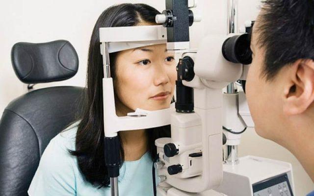 khám mắt cận thị